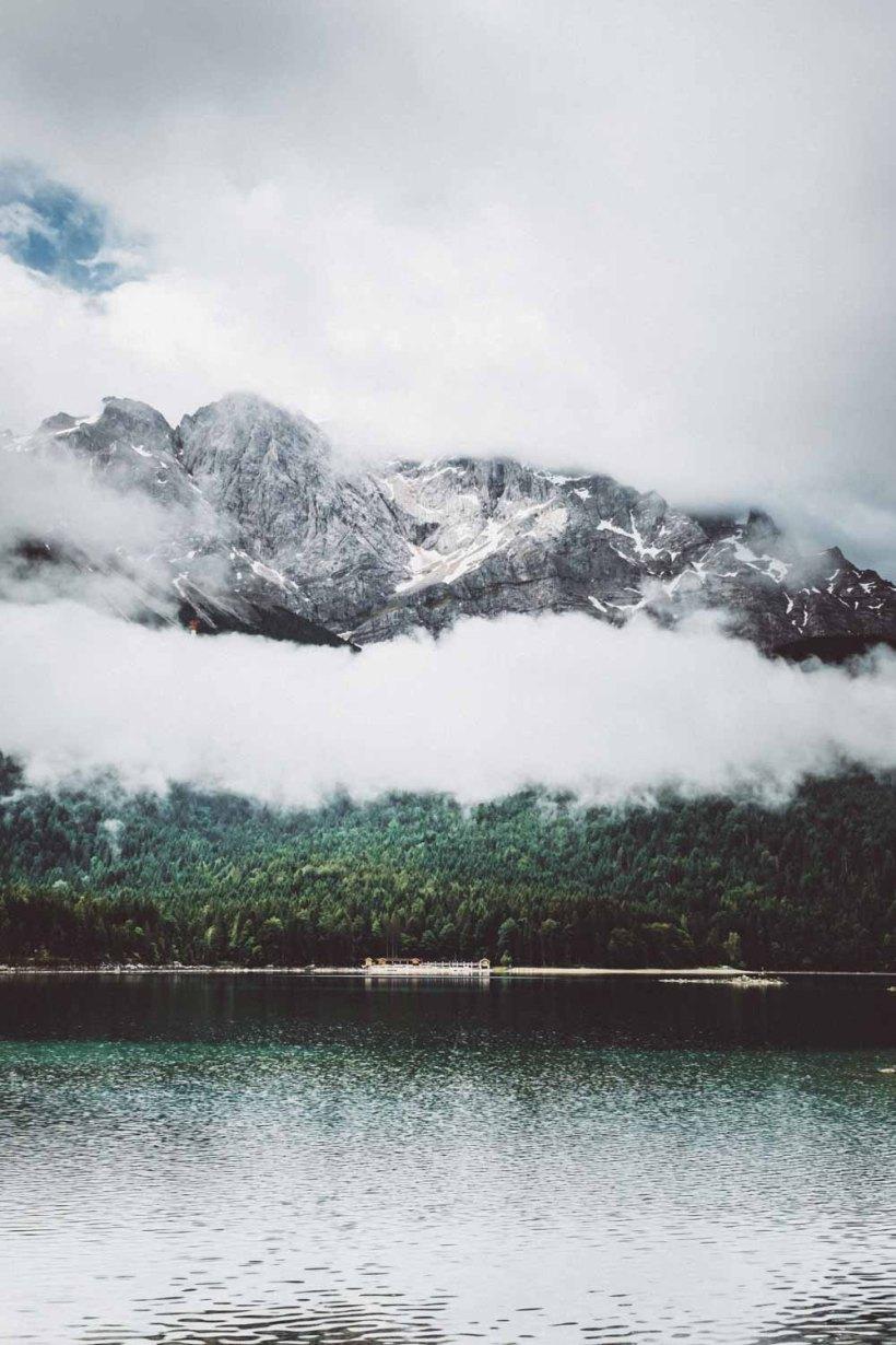 Blick über den Eibsee zum Wetterstein