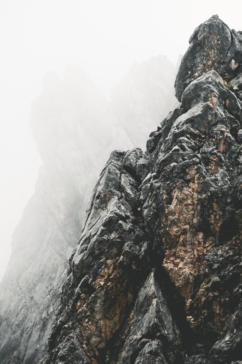 Mehr als grauer Fels - Die Farben des Gebirges