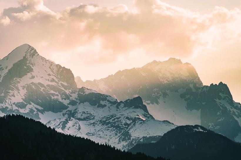 März-Am-Geroldsee-mit-Blick-zu-Zugspitze-und-Alpspitze